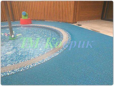модульное покрытие вокруг бассейна