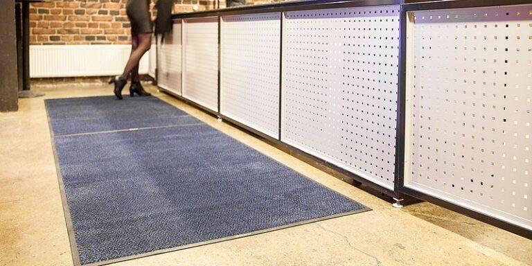 Ковры и ковровые материалы в интерьерах общественных зданий